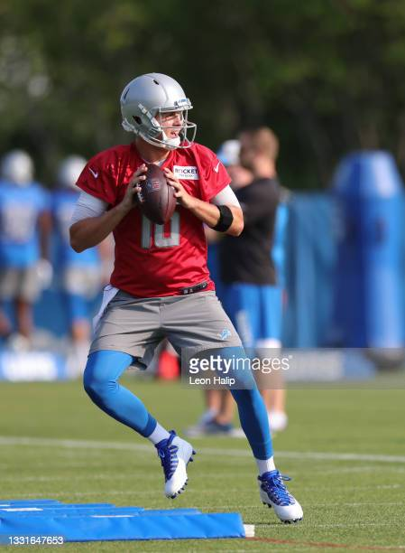Jared Goff of the Detroit Lions drops back to pass during Training Camp on July 31, 2021 in Allen Park, Michigan.