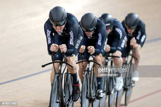 Jared Gray of New Zealand leads out front of the New Zealand team consisting of Jared Gray Nicholas Kergozou Tom Sexton and Harry Waine in the Men...