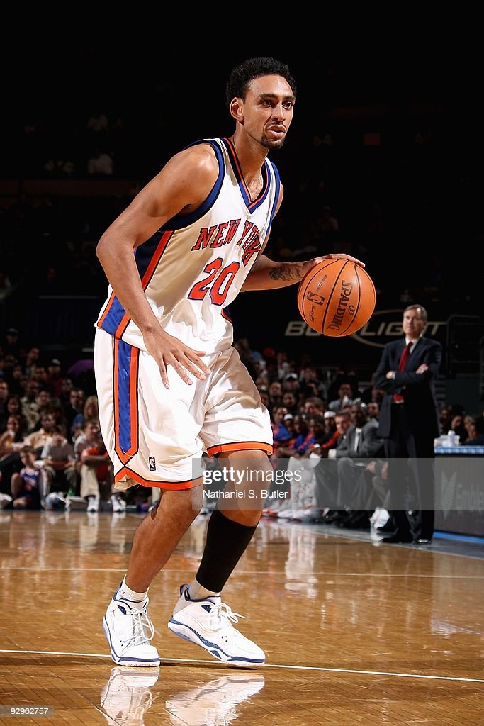 Jared Jeffries #20 of the New York Knicks brings the ball up court during the game against the Indiana Pacers on November 4, 2009 at Madison Square Garden in New York City. The Pacers won 101-89.