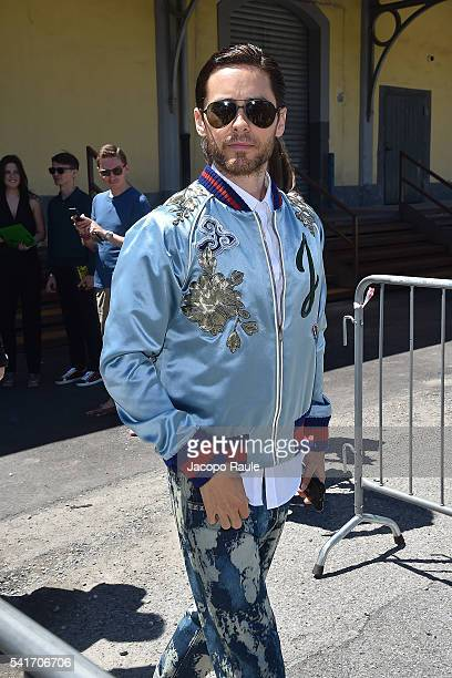 Jared Leto arrives at the Gucci show during Milan Men's Fashion Week Spring/Summer 2017 on June 20 2016 in Milan Italy