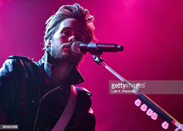 Jared Leto of 30 Seconds to Mars performs on day 4 of Q101 Radio's Twisted 2009 at the House Of Blues on December 16, 2009 in Chicago, Illinois.