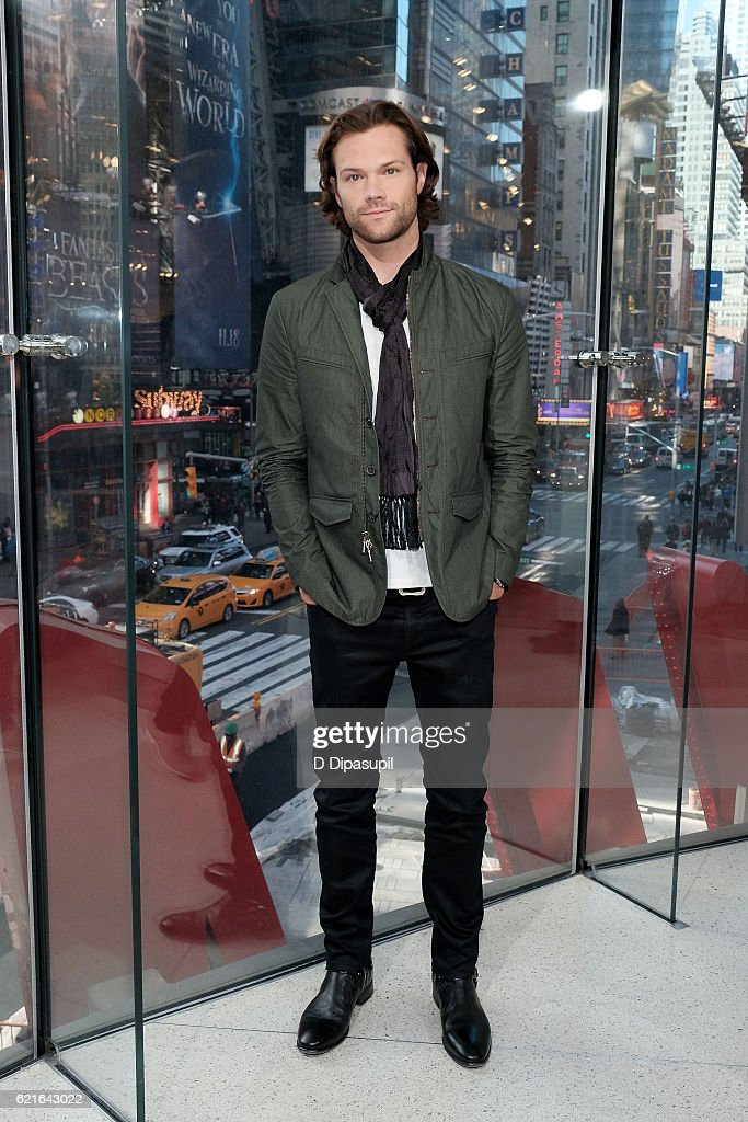Jared Padalecki visits 'Extra' at their New York studios at H&M in Times Square on November 7, 2016 in New York City.