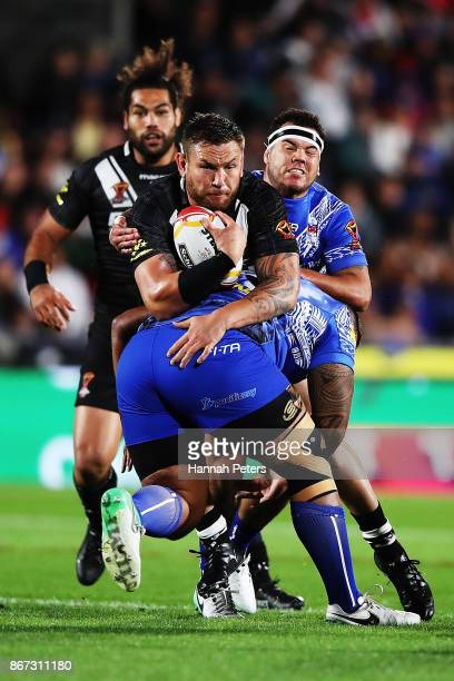 Jared WaereaHargreaves of the Kiwis charges forward during the 2017 Rugby League World Cup match between the New Zealand Kiwis and Samoa at Mt Smart...