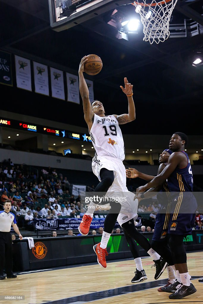 Jarell Eddie #19 of the Austin Spurs drives to the basket against the Bakersfield Jam in game three of the 2015 D-League playoffs at the Cedar Park Center on April 12, 2015 in Cedar Park, Texas.