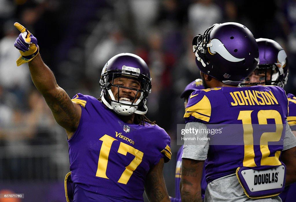 Jarius Wright Of The Minnesota Vikings And Charles Johnson Field