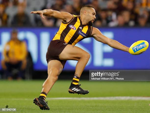 Jarman Impey of the Hawks in action during the 2018 AFL round 01 match between the Hawthorn Hawks and the Collingwood Magpies at the Melbourne...
