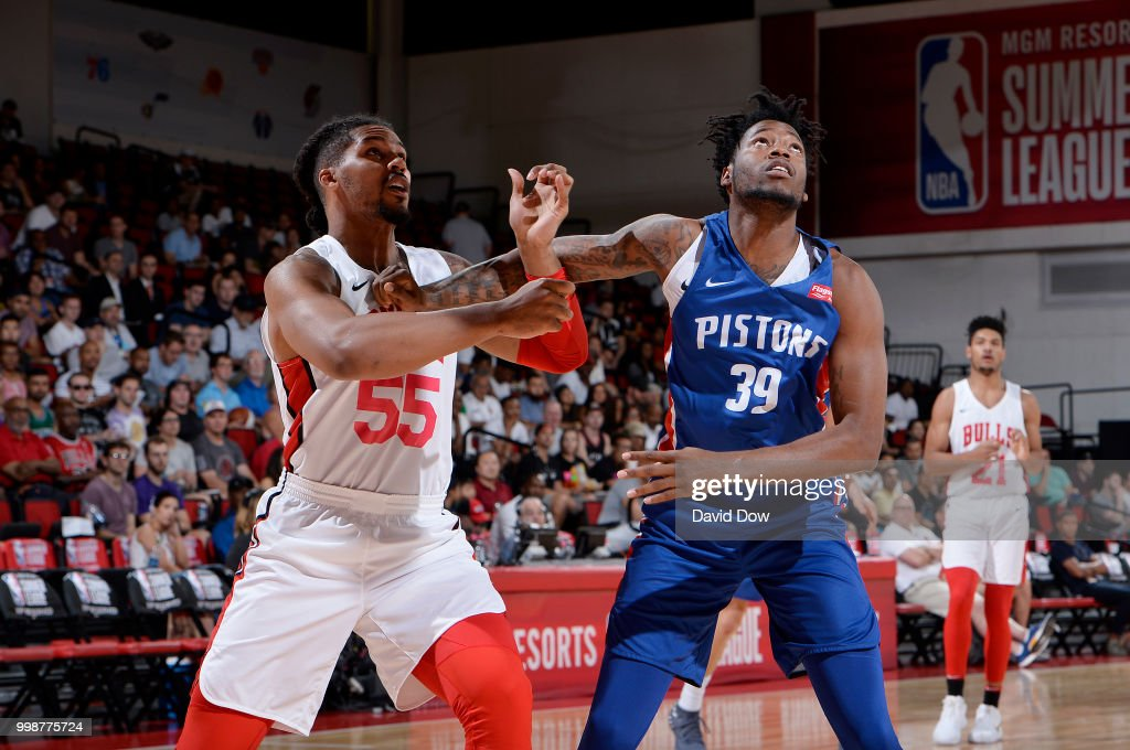 Jarnell Stokes of the Chicago Bulls battles for position