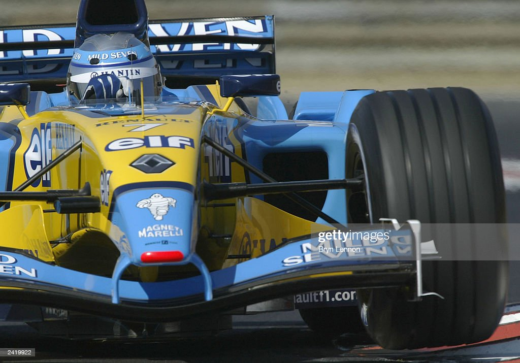 Jarno Trulli of Italy and Renault in action during qualifying for the Formula One Hungarian Grand Prix at the Hungaroring on August 23, 2003 in Budapest, Hungary.