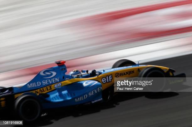 Jarno Trulli Renault R24 Grand Prix of Bahrain Bahrain International Circuit 04 April 2004