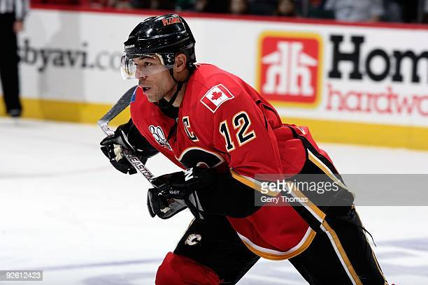 Jarome Iginla of the Calgary Flames skates against the Edmonton Oilers on October 24 2009 at Pengrowth Saddledome in Calgary Alberta Canada The...