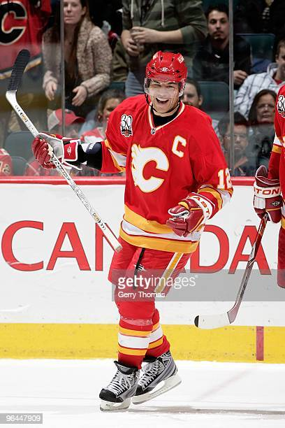 Jarome Iginla of the Calgary Flames skates against the Edmonton Oilers on January 30 2010 at Pengrowth Saddledome in Calgary Alberta Canada The...