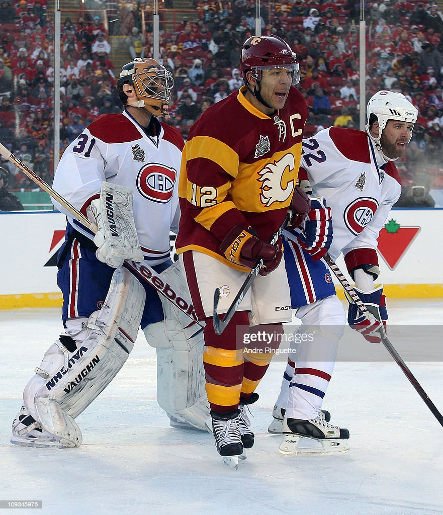 NHL Heritage Classic - Montreal Canadiens v Calgary Flames : News Photo