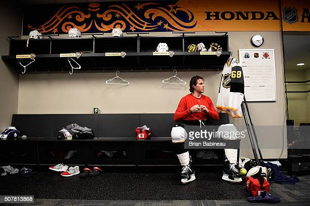 Jaromir Jagr of the Florida Panthers of the Atlantic Divistion team gets ready in the locker room prio rto 2016 Honda NHL AllStar Game at Bridgestone...