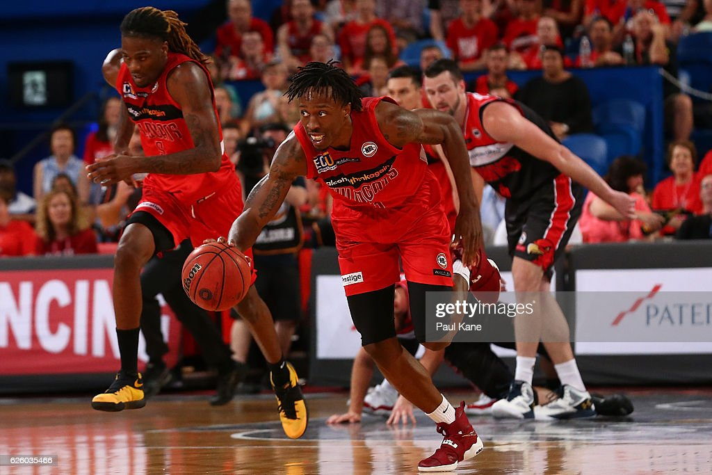 NBL Rd 8 - Perth v Illawarra : News Photo