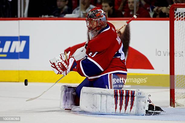 Jaroslav Halak of the Montreal Canadiens makes a save against the Philadelphia Flyers in Game 4 of the Eastern Conference Finals during the 2010 NHL...