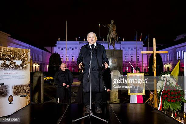 Jaroslaw Kaczynski speaks to those who come to the march commemorating the victims of the 2010 Smolensk airplane crash on November 10 2015 in Warsaw...