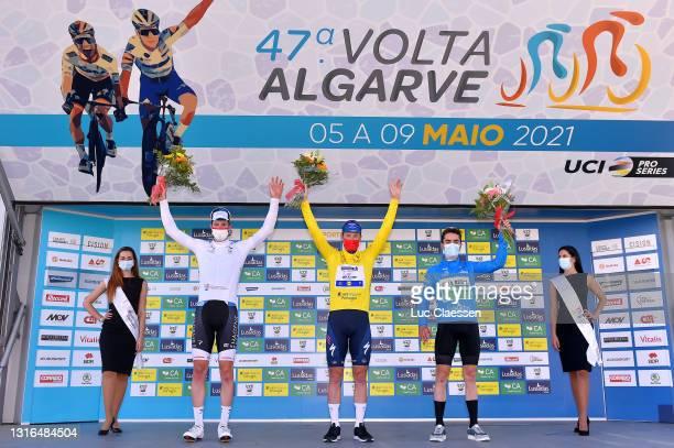 Jarrad Drizners of Australia and Team Hagens Berman-Axeon white best young jersey, Sam Bennett of Ireland and Team Deceuninck - Quick-Step yellow...
