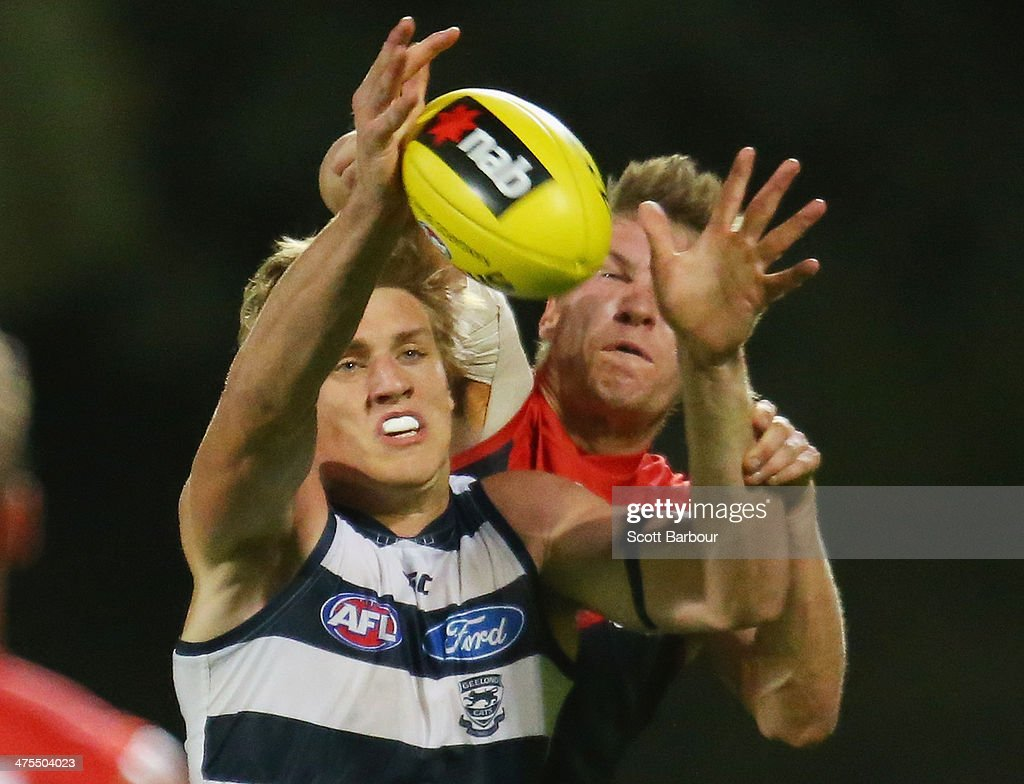 AFL NAB Cup Rd 3 - Melbourne v Geelong : News Photo