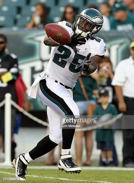 Jarrad Page of the Philadelphia Eagles warms up before playing against the Baltimore Ravens during their pre season game on August 11 2011 at Lincoln...