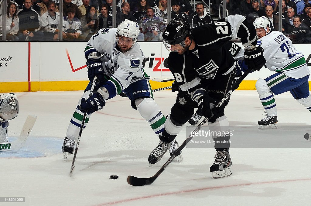 Vancouver Canucks v Los Angeles Kings - Game Four