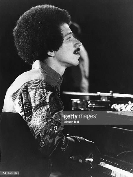 Jarrett, Keith *-Musiker, Pianist, Komponist, Jazz, USA- Portrait waehrend der Jazztage in Berlin- 1973