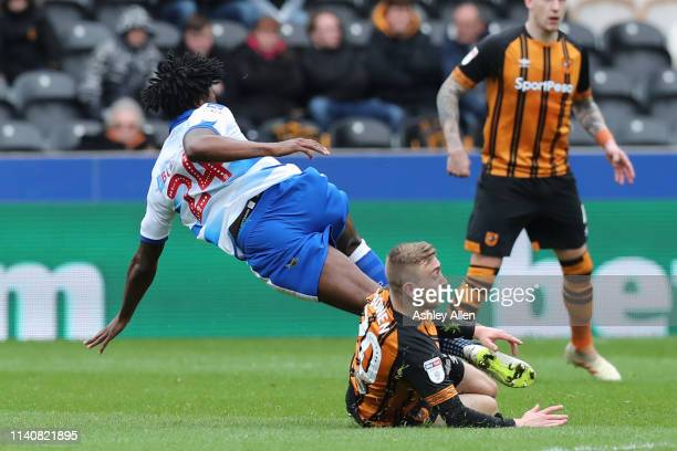 Jarrod Bowen of Hull City competes with Tyler Blackett of Reading during the Sky bet Championship match between Hull City and Reading at the KCOM...