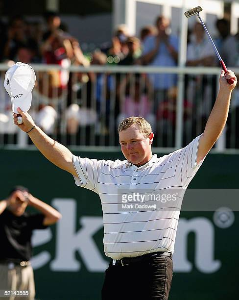 Jarrod Lyle of Australia acknowledges the crowd on the 18th after failing to make the playoff on day four of the 2005 Heineken Classic at the Royal...