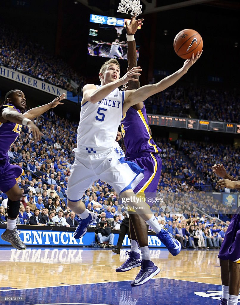 Jarrod Polson #5 of the Kentucky Wildcats shoots the ball during the game against the LSU Tigers at Rupp Arena on January 26, 2013 in Lexington, Kentucky.