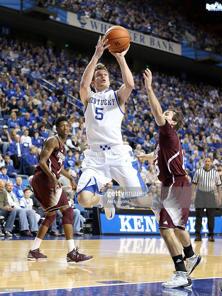Jarrod Polson #5 of the Kentucky Wildcats shoots the ball during the game against the Mississippi State Bulldogs at Rupp Arena on February 27, 2013 in Lexington, Kentucky.