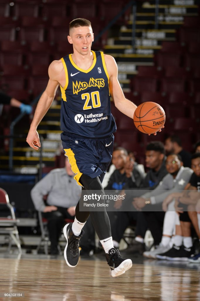 Jarrod Uthoff #20 of the Fort Wayne Mad Ants dribbles the ball against the Oklahoma City Blue during the NBA G-League Showcase on January 11, 2018 at the Hershey Centre in Mississauga, Ontario Canada.