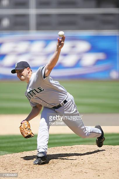 Jarrod Washburn of the Seattle Mariners pitches during the game against the Oakland Athletics at the Network Associates Coliseum in Oakland...