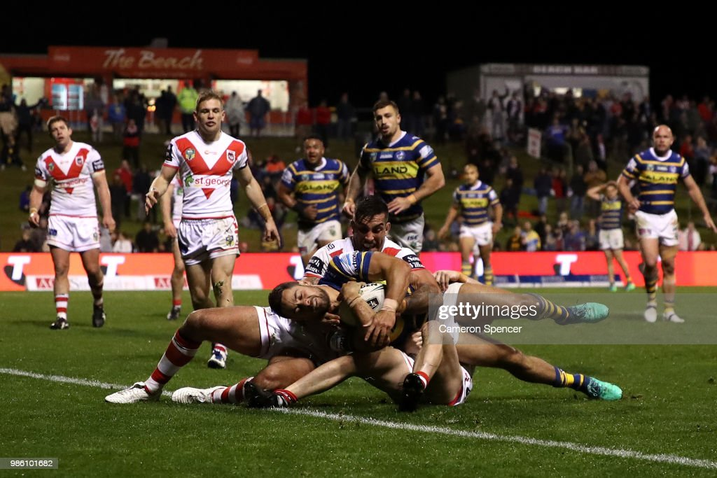 Jarryd Hayne of the Eels scores a try during the round 16 NRL match between the St George Illawarra Dragons and the Parramatta Eels at WIN Stadium on June 28, 2018 in Wollongong, Australia.