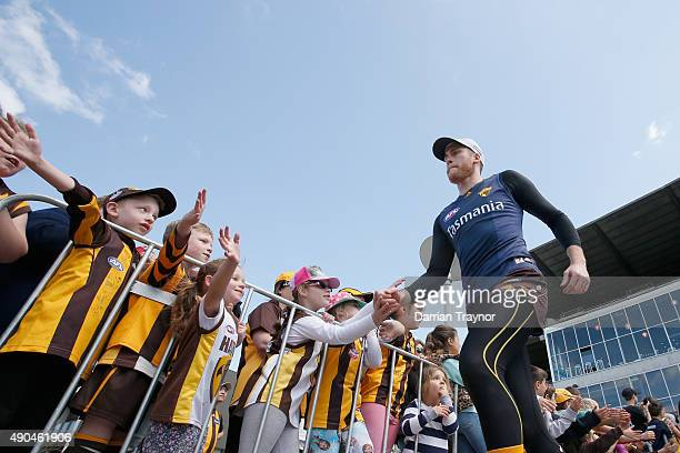Jarryd Roughead acknowledges the fans before a Hawthorn Hawks AFL training session at Waverley Park on September 29 2015 in Melbourne Australia