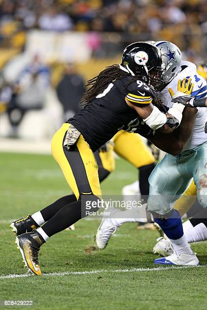 Jarvis Jones of the Pittsburgh Steelers in action during the game against the Dallas Cowboys at Heinz Field on November 13 2016 in Pittsburgh...