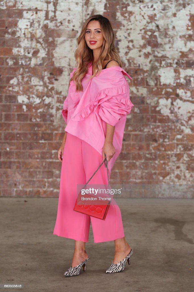 Street Style - Mercedes-Benz Fashion Week Australia 2017 : Photo d'actualité