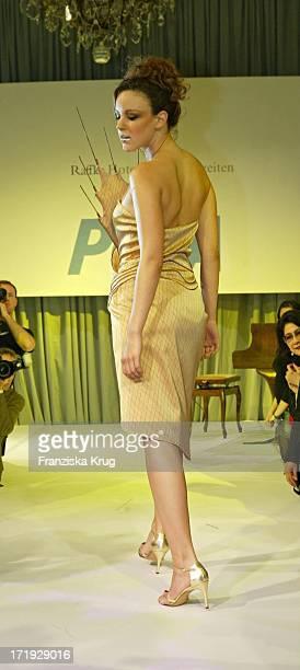 Jasmin Wagner Modelt Bei Der 10 Jahre Peta Deutschland Gala Im Hotel Vier Jahreszeiten In Hamburg Am 140204