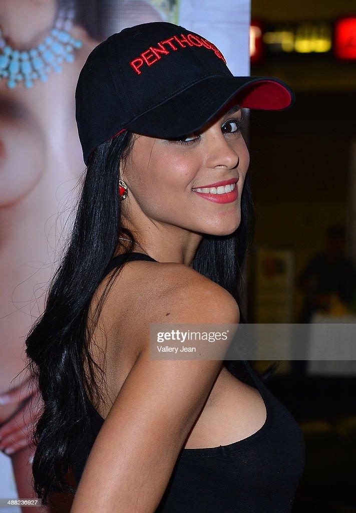 Jasmine Caro Nude Photos 74
