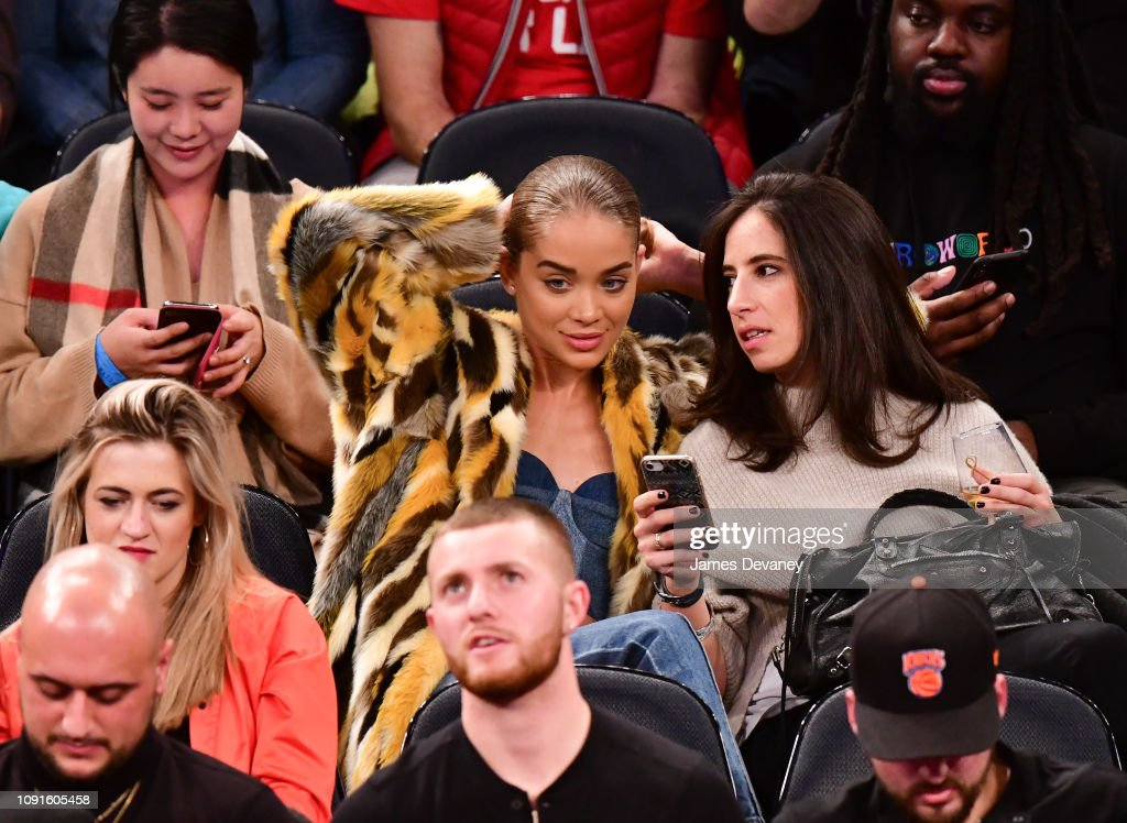 Celebrities Attend Dallas Mavericks v New York Knicks : News Photo