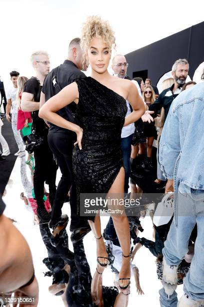 Jasmine Sanders attends DUNDAS x REVOLVE NYFW Runway Show Casa Cipriani on September 08, 2021 in New York City.