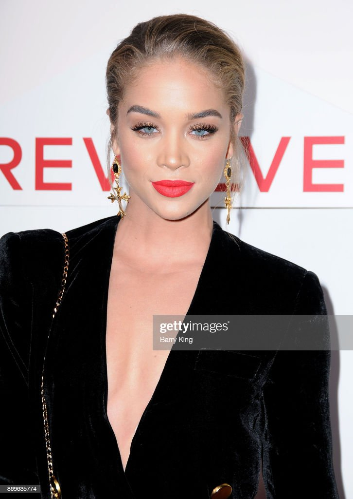 Jasmine Sanders attends #REVOLVEawards at DREAM Hollywood on November 2, 2017 in Hollywood, California.