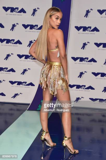 Jasmine Sanders attends the 2017 MTV Video Music Awards at The Forum on August 27 2017 in Inglewood California