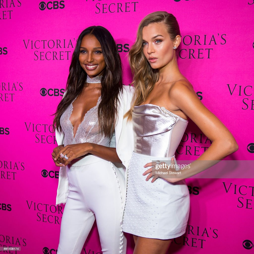 Jasmine Tookes (L) and Josephine Skiver attend the 2017 Victoria's Secret Fashion Show viewing party pink carpet at Spring Studios on November 28, 2017 in New York City.