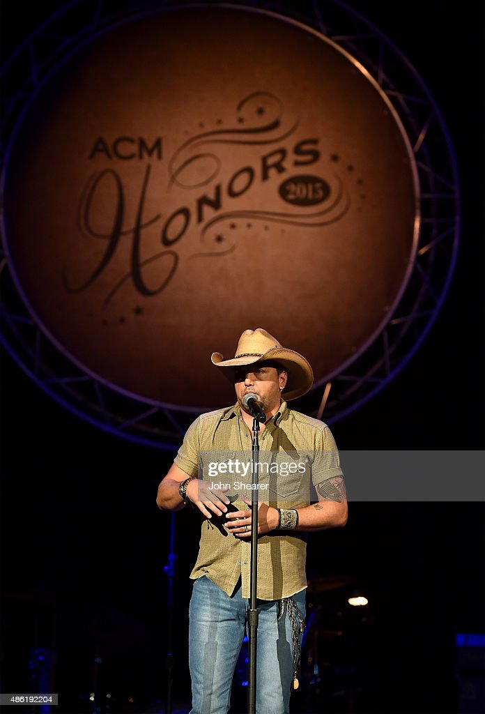 Jason Aldean onstage during the 9th Annual ACM Honors at the Ryman Auditorium on September 1, 2015 in Nashville, Tennessee.