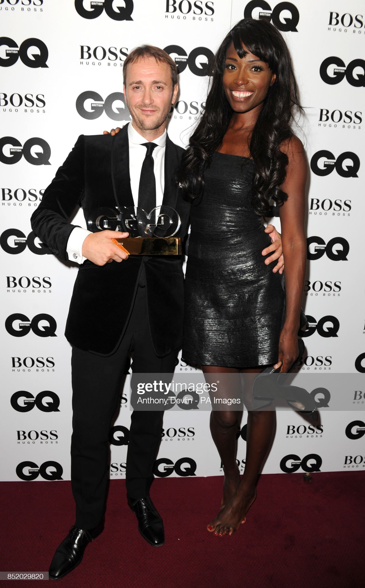 ¿Cuánto mide Lorraine Pascale? - Altura - Real height Jason-atherton-winner-of-the-chef-awards-poses-with-lorraine-pascale-picture-id852029820?s=2048x2048