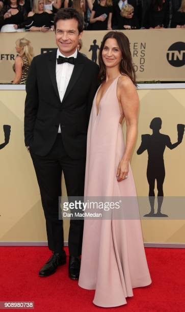 Jason Bateman and Amanda Anka arrive at the 24th Annual Screen Actors Guild Awards at The Shrine Auditorium on January 21 2018 in Los Angeles...