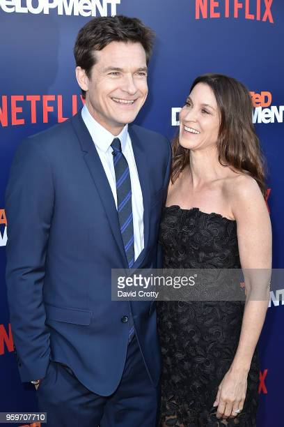 Jason Bateman and Amanda Anka attend the Arrested Development Season 5 Premiere on May 17 2018 in Los Angeles California