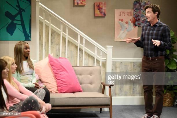 """Jason Bateman"""" Episode 1792 -- Pictured: Ego Nwodim and host Jason Bateman during the """"Sleepover 2"""" sketch on Saturday, December 5, 2020 --"""