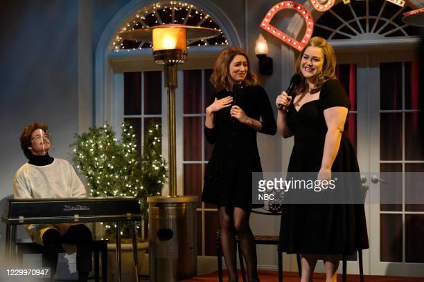 """Jason Bateman"""" Episode 1792 -- Pictured: Host Jason Bateman, Melissa Villaseñor, and Lauren Holt during the """"Outdoor Cabaret"""" sketch on Saturday,..."""