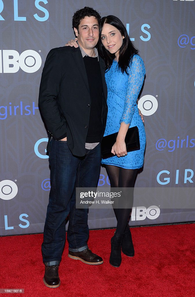 Jason Biggs and guest attend the HBO premiere of 'Girls' Season 2 at the NYU Skirball Center on January 9, 2013 in New York City.