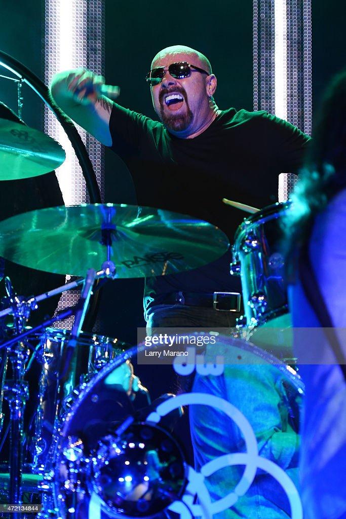 Jason Bonham Performs At Hard Rock Live!